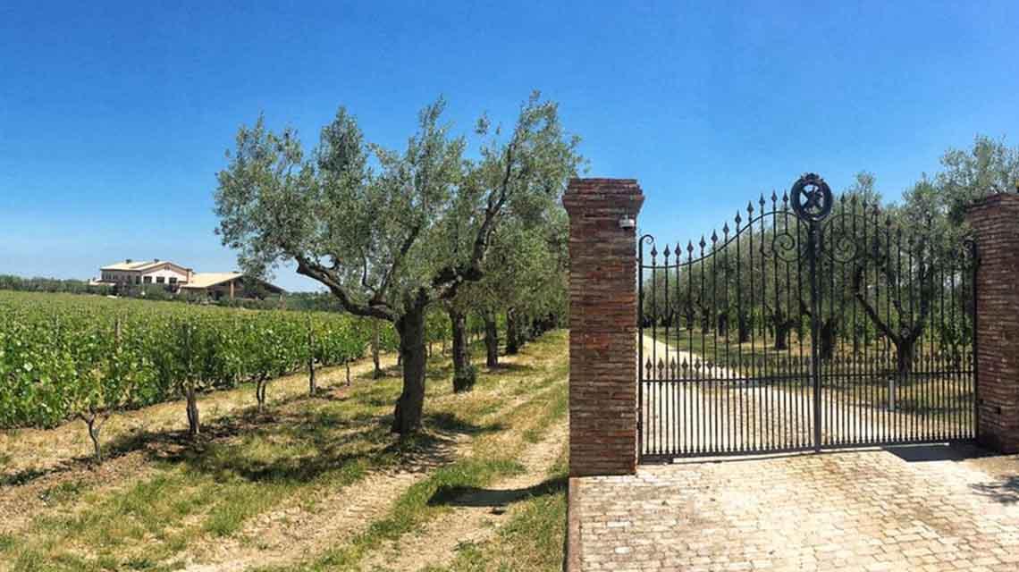 Il Feuduccio Winery Entrance